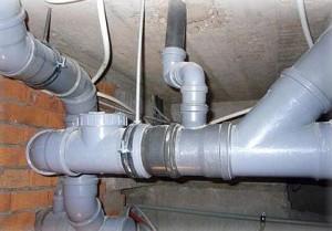 засор и запахи канализации